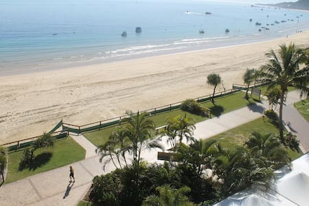 Absolutely Beachfront Luxury apartment Tangalooma - Tangalooma