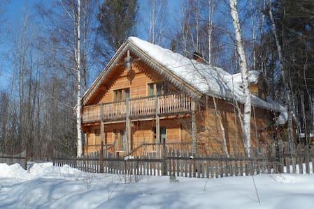 Baikal guesthouse Fedorov Dvor - Baykalsk - House