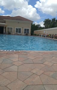 Great Location Heated pool - Fort Myers - Flat