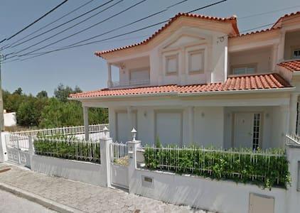 casa portugal Leiria - Hus