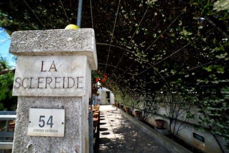 VILLA LA SCLEREIDE - Villa