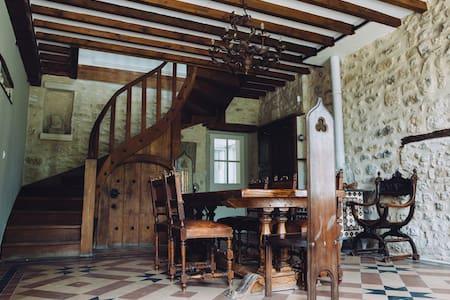 Belle maison en pierres avec piscine à Rocquemont - Crépy-en-Valois - Haus