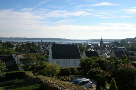 Belle situation et vue panoramique - Haus