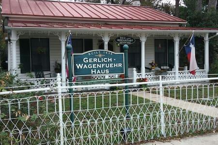 Gerlich Wagenfuehr Bed & Breakfast - New Braunfels - Bed & Breakfast