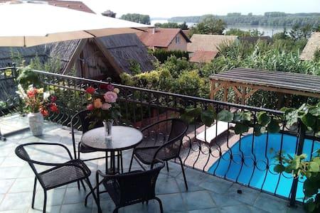 Guesthouse Aljmaš - Villa