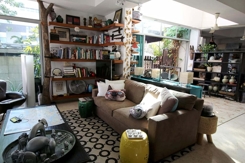 """Lots of natural light """"The place is so full of character, with beautiful furniture and well curated room essentials. """" - Diane, Aug 2015"""