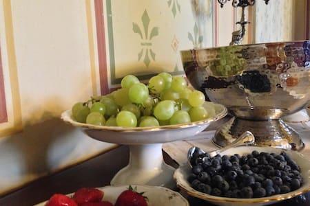 Elegante suite con bagno - Mornico Losana - Slot