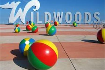 2 bedroom Beach Condo with Ocean View - park free - Wildwood Crest - Condominium