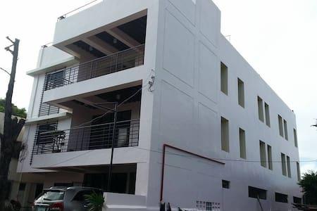 Cheap suite near Megaworld, iloilo city, Ph - Iloilo City - Pis