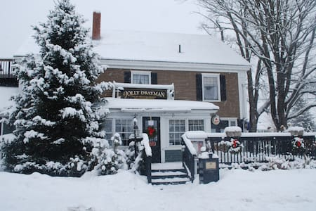 Briarlea Inn & Jolly Drayman Pub - Bed & Breakfast