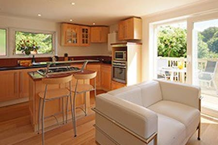 Suncot Apartment - Estuary Views! - Salcombe - Apartment