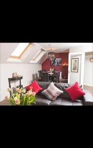 Gorgeous flat in lovely village - West Linton - Apartment