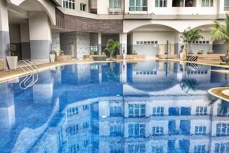 Resort Lifestyle Condo 15 Mins Walk to KL Sentral - Kuala Lumpur