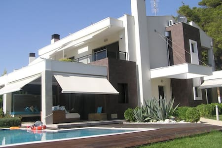 4 BD, Villa, Waterfront, Private pool in Posidi - Villa
