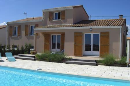 Vendee Holiday Villa with pool - Saint-Germain-l'Aiguiller - Ev