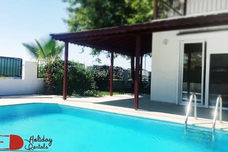 4 Bedroom Spacious Villa+Prvt. Pool - Serik