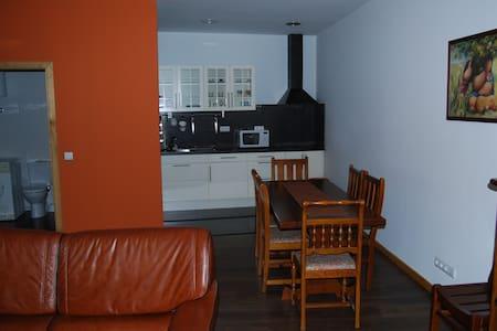 Apartamento com dois quartos. - Chaves