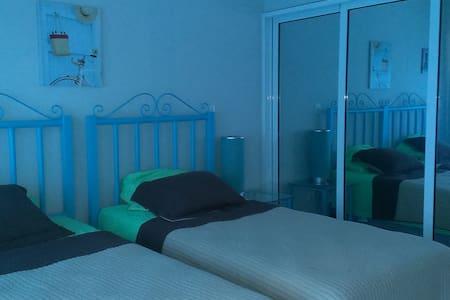 Apartamento Amueblado de dos habitaciones - Wohnung