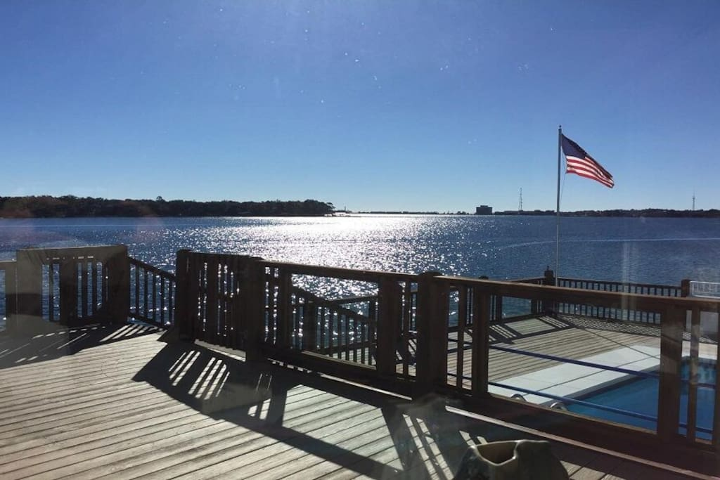 Waterfront Vacation Paradise - Houses for Rent in Fort ...