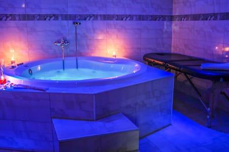 Habitación doble con baño privado - Santillana del Mar