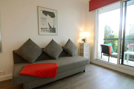 Cozy & modern studio with balcony at Port Royal! - Paris - Apartment
