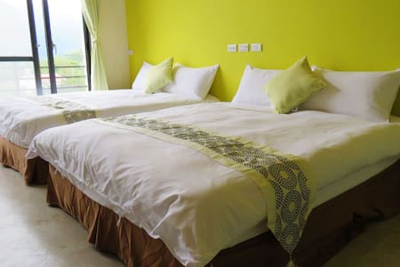 達芭凱民宿-明亮溫暖4人房 - Xinyi Township - Bed & Breakfast