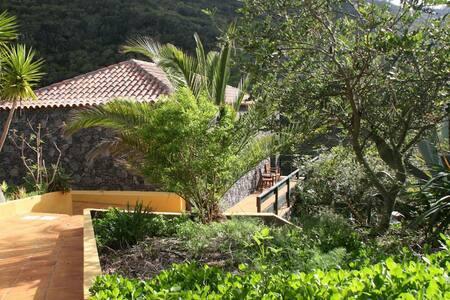 Casas del Chorro - Algarrobo - Agulo