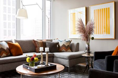 1 bed modern loft old town/pearl/DT