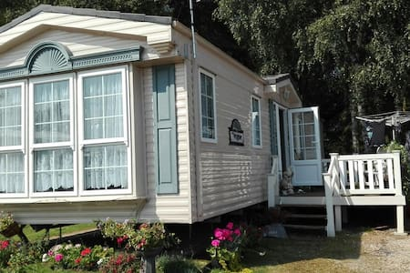Holiday By The Lakes Lincolnshire * - No 54 Larchview based on the tattershall - Altres