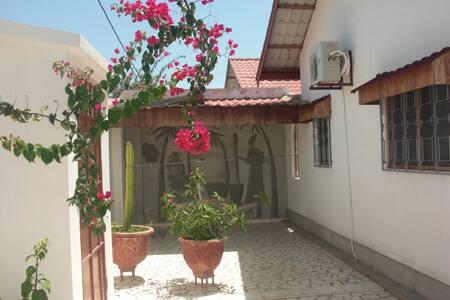 Kololi Villas Residence - House 1 - Bungaló