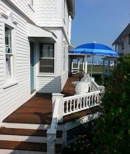 Ocean Park Victorian - House