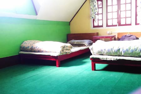Cozy Attic Rooms/Himalayan Homestay - Chaita Pani Tea Garden - Ev