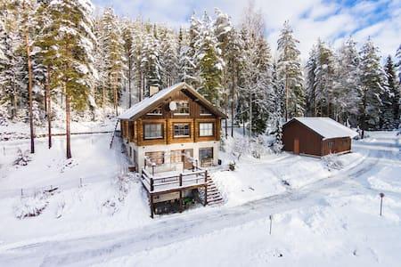 Villa Copper - hirsihuvila luonnon rauhassa - Ylöjärvi - Villa