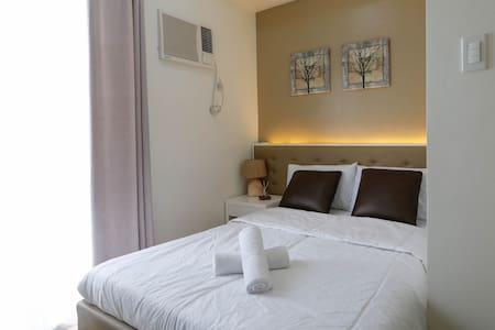 Makati Adorable Brand New Unit with Massage for 2 - Makati - Condominium