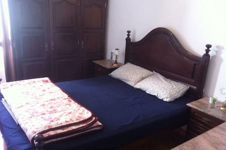 Private Double bedroom - Póvoa de Santa Iria - Apartamento