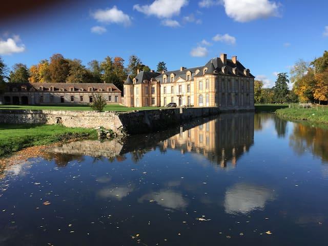 Trois chambres dans un château - Castle