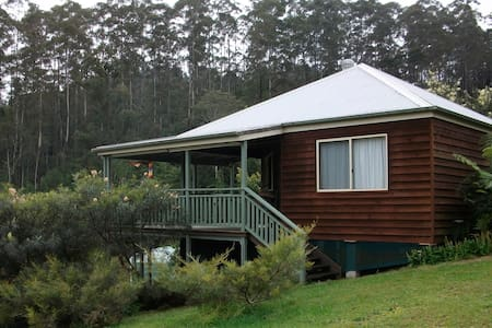 Cosy private cabin on picturesque property - Spicketts Creek