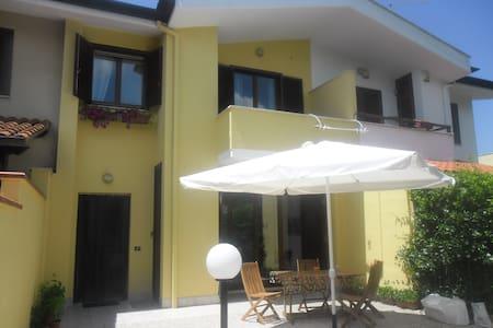 Sabaudia stanza in affitto - Villa