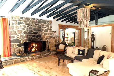 Nature haven 20 min.from Québec city (heated pool) - Sainte-Marie - Huis