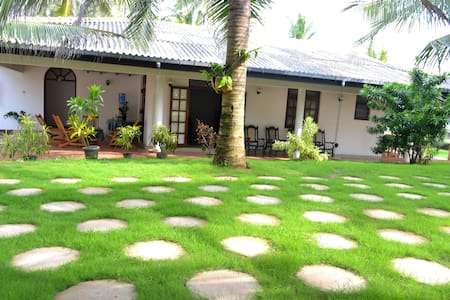 Beach Villa in Negombo - priv. room - Negombo