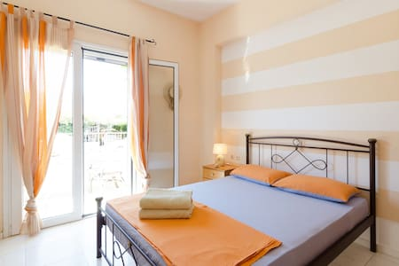 Beautiful Studio close to the Beach - Agios Dimitrios - Wohnung