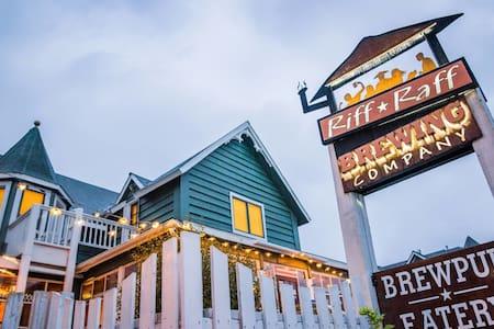 Got Beer? 3-BR Sleeps Seven Above Downtown Brewpub - Pagosa Springs