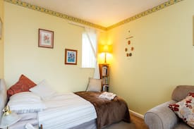 Picture of Large, light first floor bedroom