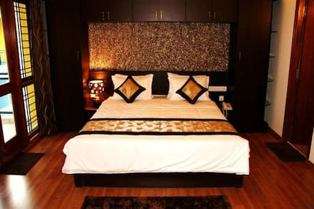 Park Side Suites - Grand Orient - Bengaluru