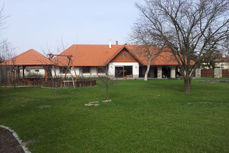 Spacious, new family house, 3 bedrooms, Poroszló - Casa