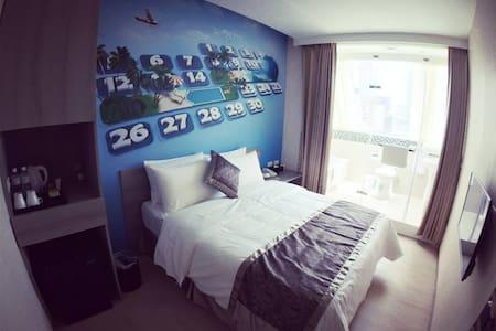愛玩客旅店,景觀主題雙人房2,鄰近捷運西門站6號出口,公車,Ubike - Wanhua District - Byt