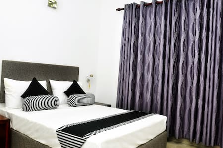 Aaranya Residence - Peradeniya - Bed & Breakfast