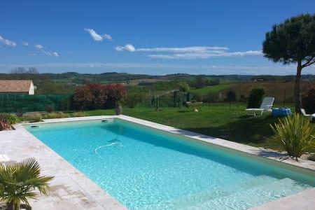 Grande maison avec piscine - Casa