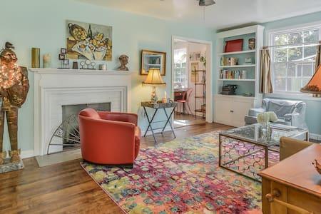 Cozy home with palpable good karma - House