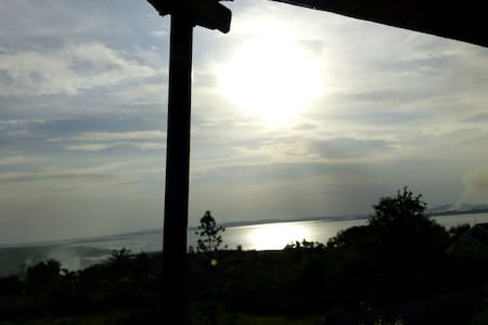 Beautiful Lake view, Sunset & Rise. - Entebbe
